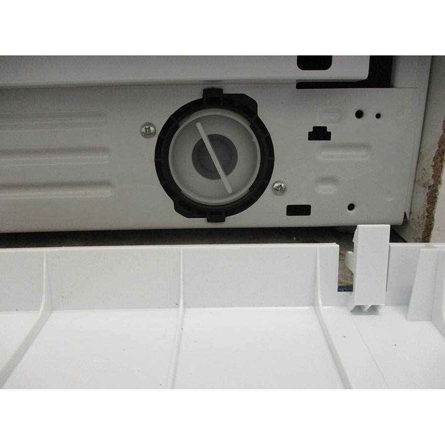 Indesit MTWED91483WKFR - Bouchon du filtre de vidange