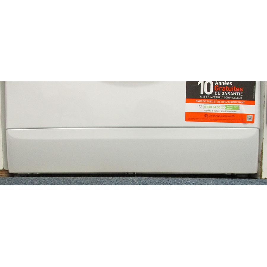 Indesit MTWED91483WKFR - Plinthe masquant le filtre de vidange