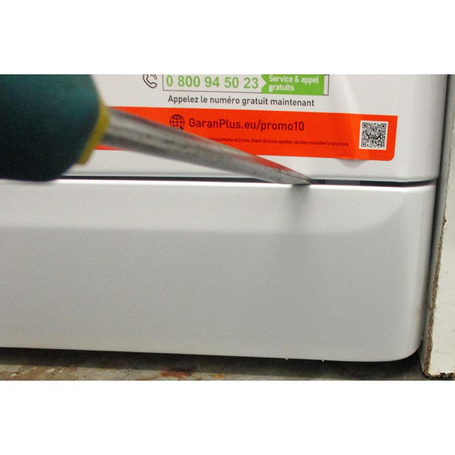 Indesit MTWED91483WKFR - Outil nécessaire pour accéder au filtre de vidange