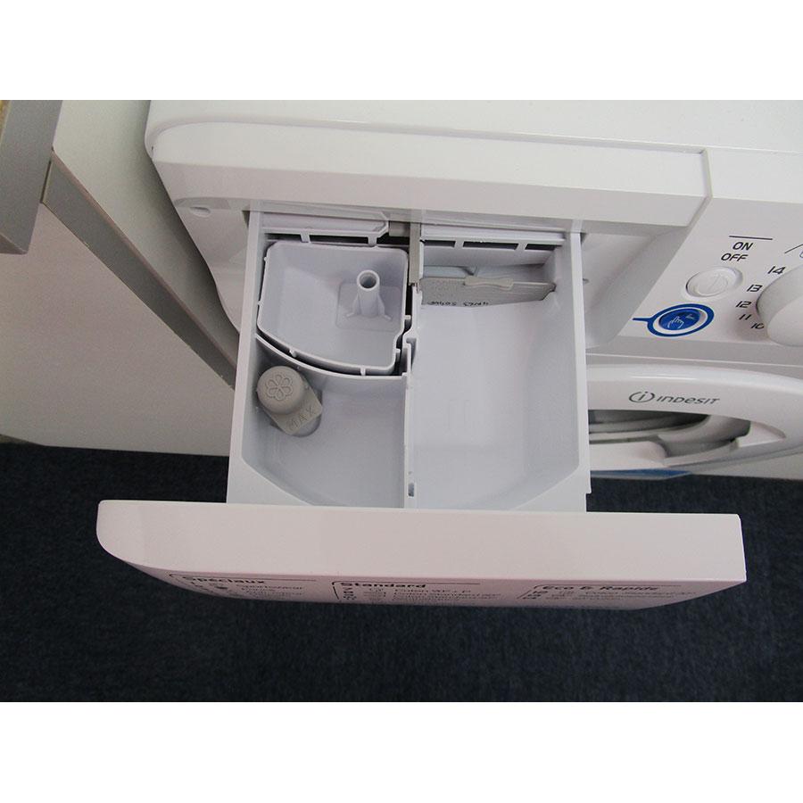 Indesit XWA71452WFR - Compartiments à produits lessiviels