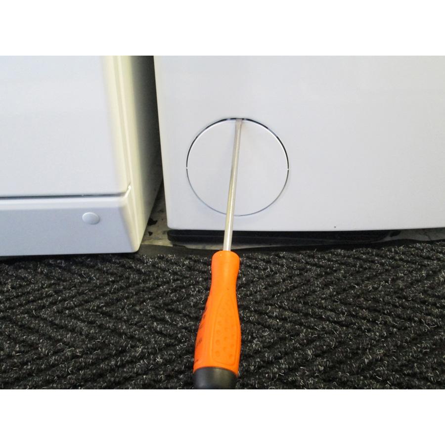 Laden EV7120 - Outil nécessaire pour accéder au filtre de vidange