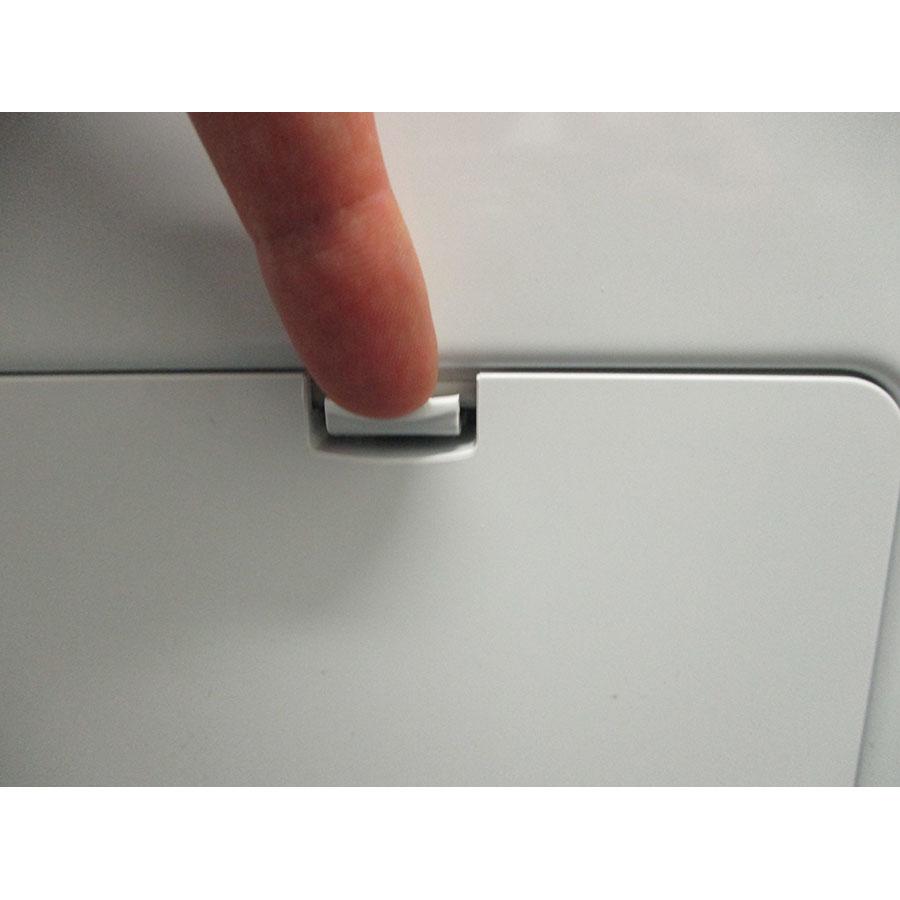 LG F14V71WHST - Ouverture de la trappe du filtre de vidange