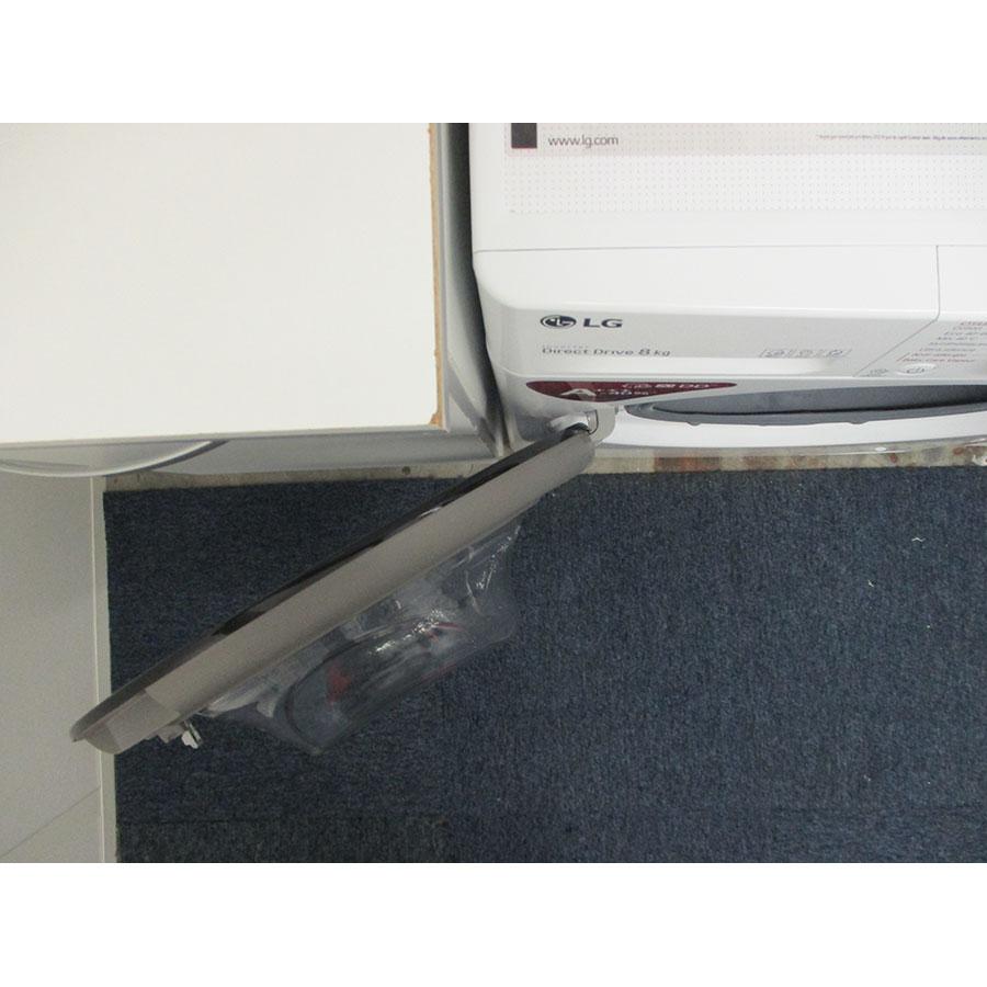 LG F84V35WHS - Angle d'ouverture de la porte