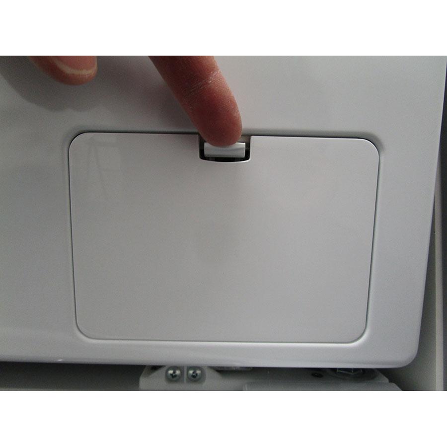 LG F94G1GWHS - Ouverture de la trappe du filtre de vidange