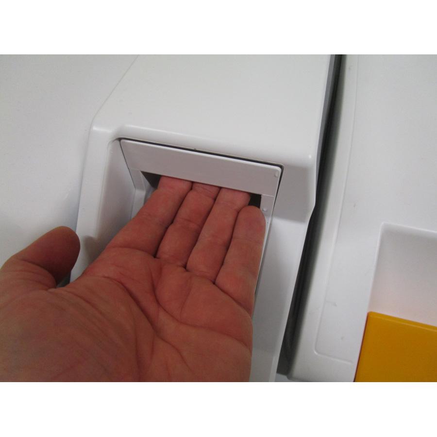 Miele W695WPM - Ouverture du tiroir à détergents