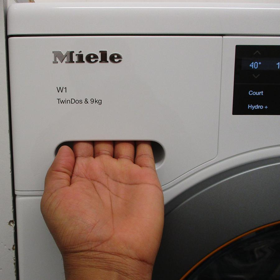 Miele WCG 660 - Ouverture du tiroir à détergents