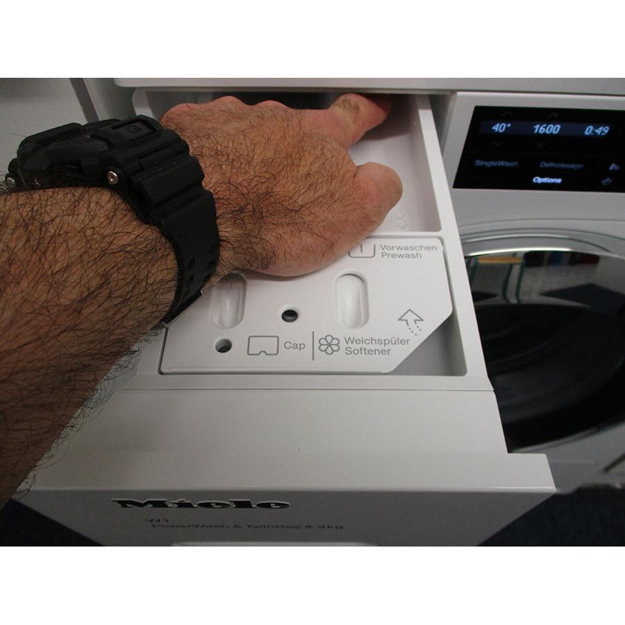 Miele WCI 960 WCS TwinDos - Bouton de retrait du bac à produits