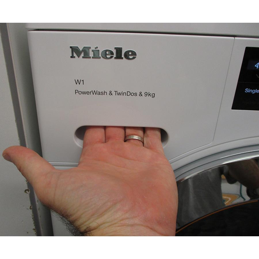 Miele WCI 960 WCS TwinDos - Ouverture du tiroir à détergents