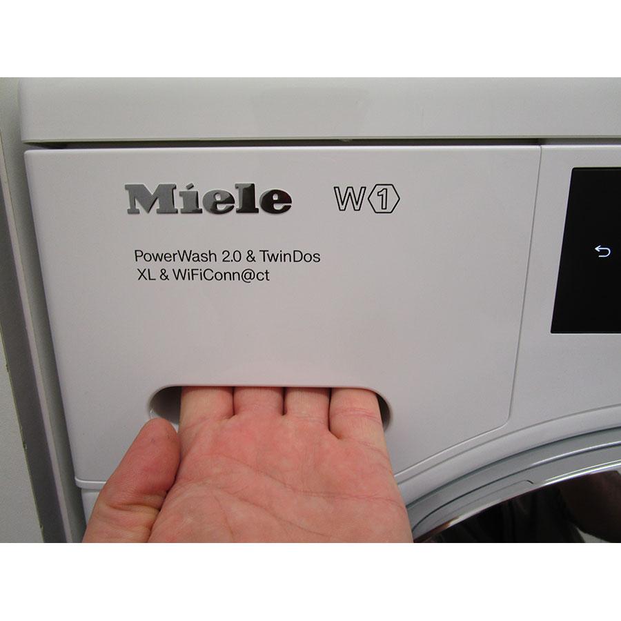 Miele WCR860WPS - Ouverture du tiroir à détergents