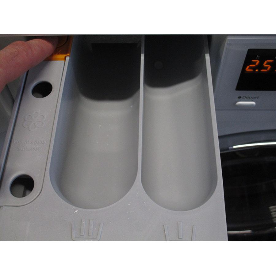 Miele WDA105 - Bouton de retrait du bac à produits