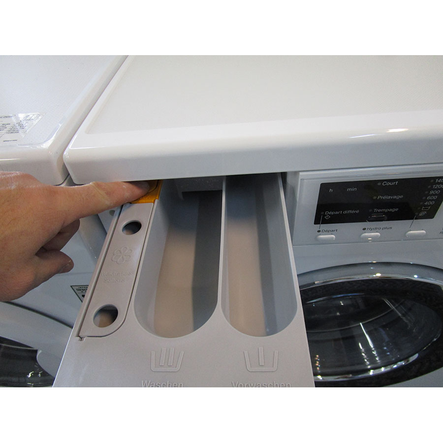 Miele WDA201 WPM - Bouton de retrait du bac à produits