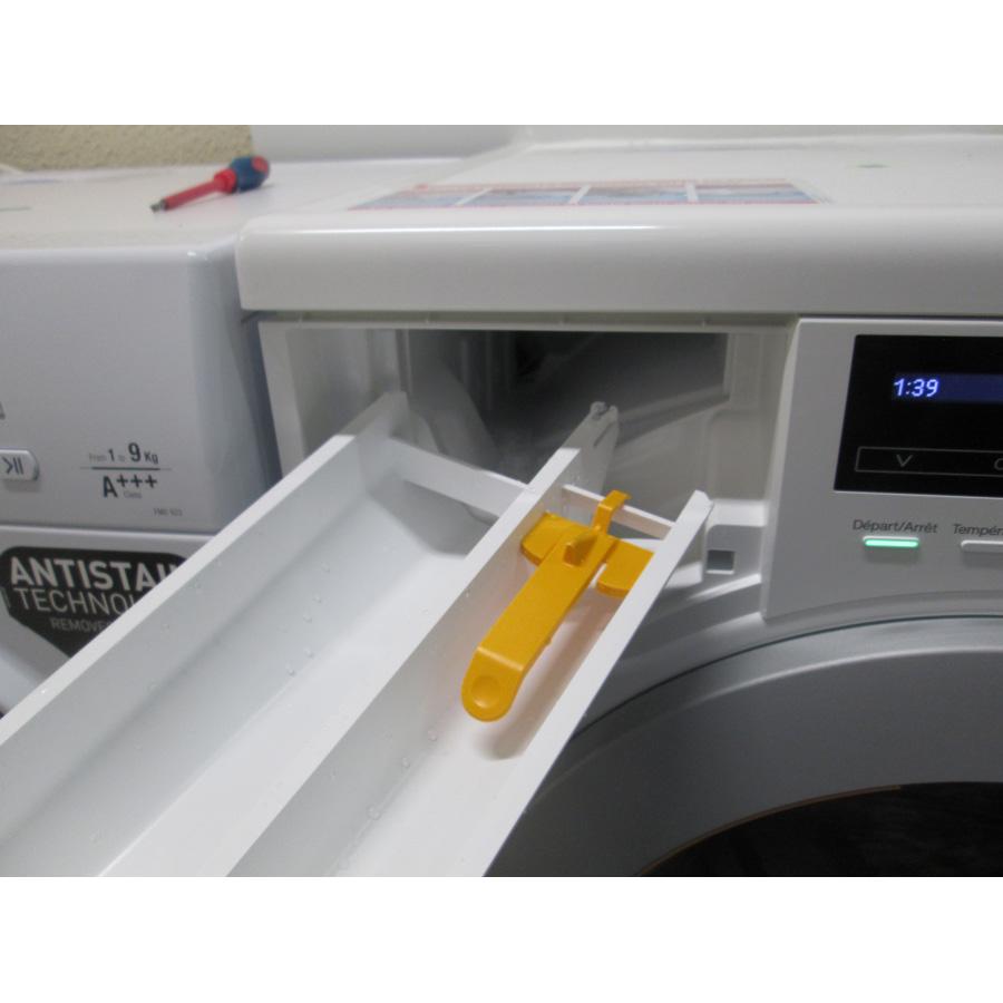 Miele WKB120 - Retrait du bac à produit