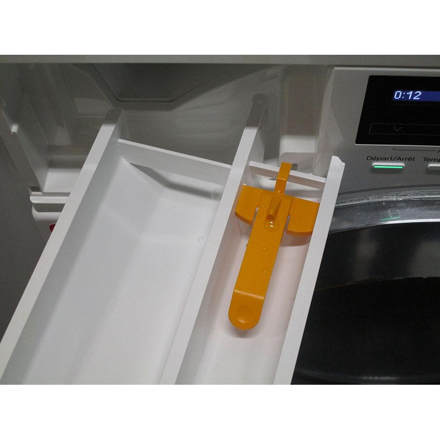 Miele WKF121 - Retrait du bac à produit