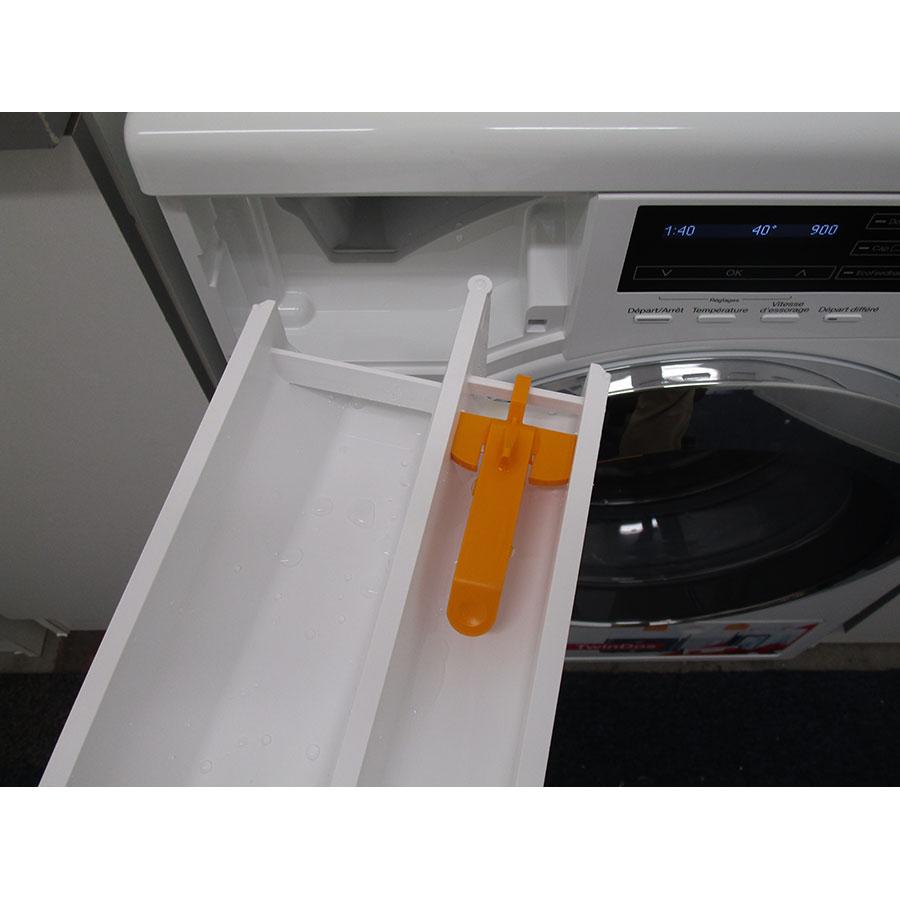 Miele WKH122WPS - Retrait du bac à produit