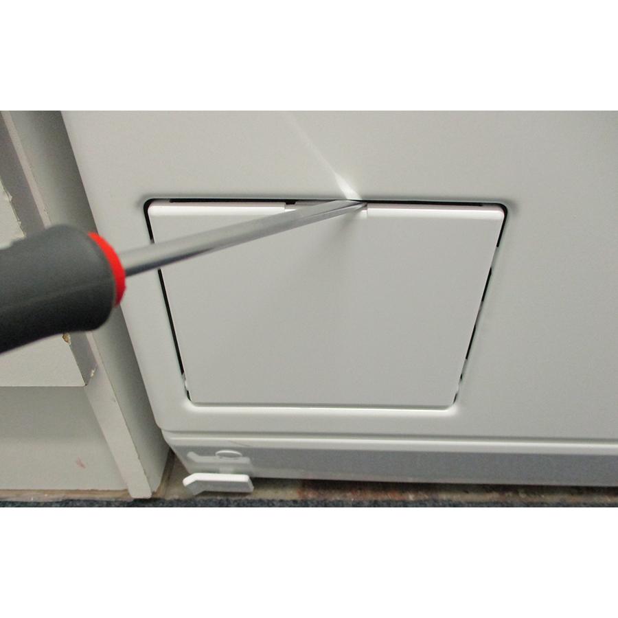 Miele WW650WCS - Outil nécessaire pour accéder au filtre de vidange