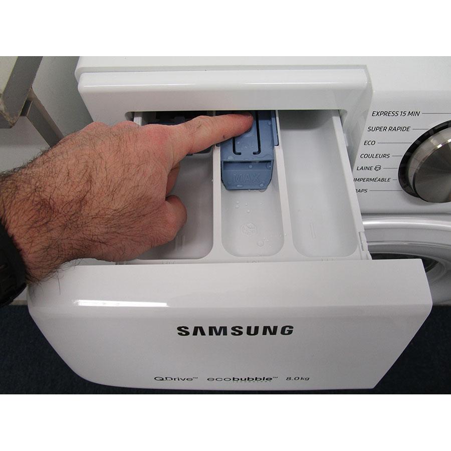 Samsung QuickDrive WW80M645OCW(*10*) - Bouton de retrait du bac à produits