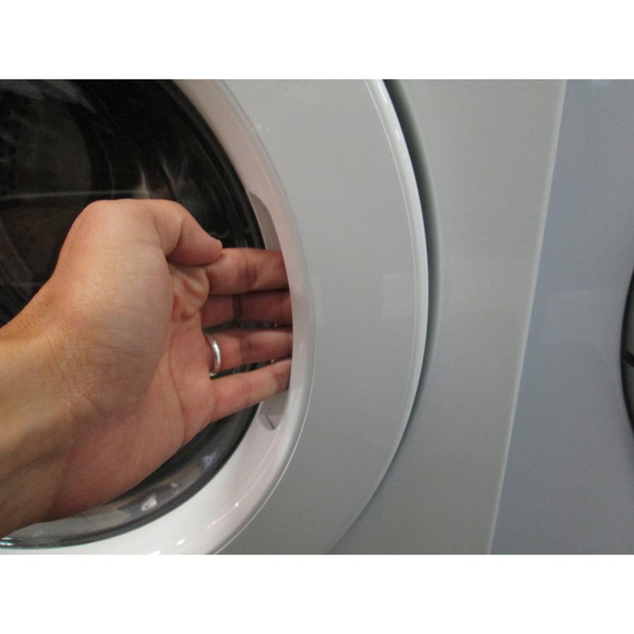 Samsung WF80F5E3U4W Eco Bubble (*19*) - Poignée d'ouverture du hublot
