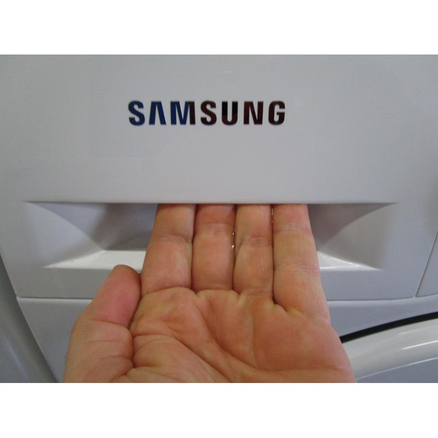 Samsung WF90F5E3U4W  - Ouverture du tiroir à détergents