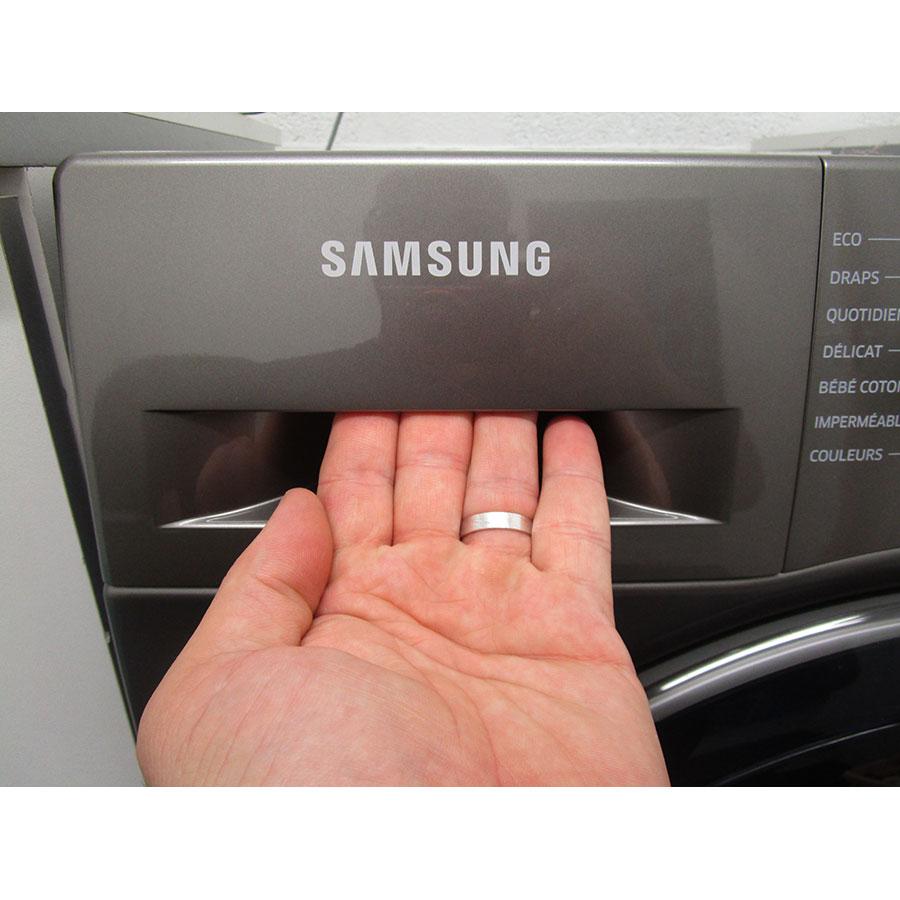 Samsung WW70K5410UX - Ouverture du tiroir à détergents