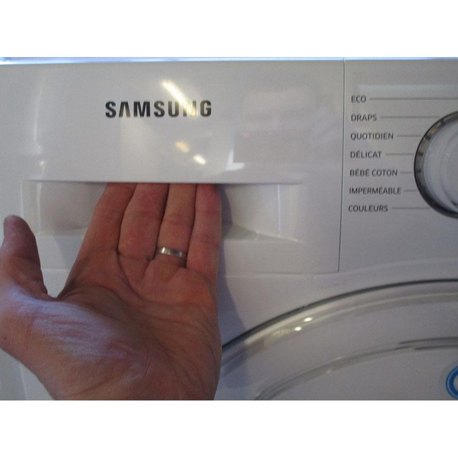 Samsung WW70K5413WW AddWash - Ouverture du tiroir à détergents