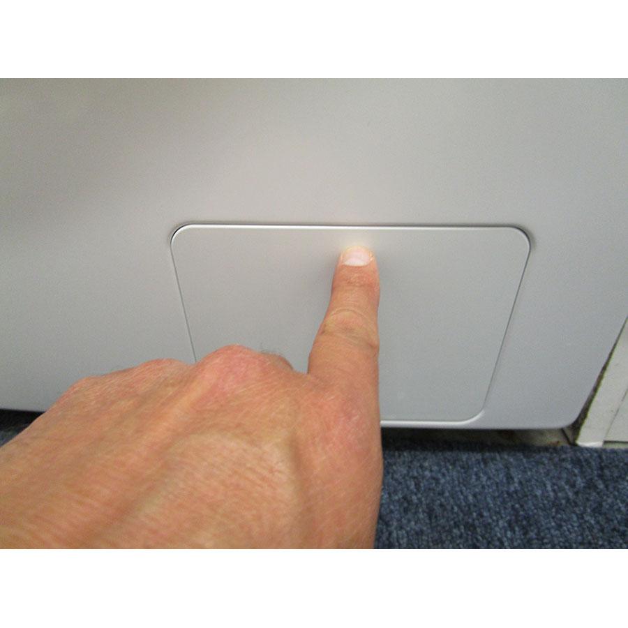 Samsung WW80J5555DW - Ouverture de la trappe du filtre de vidange