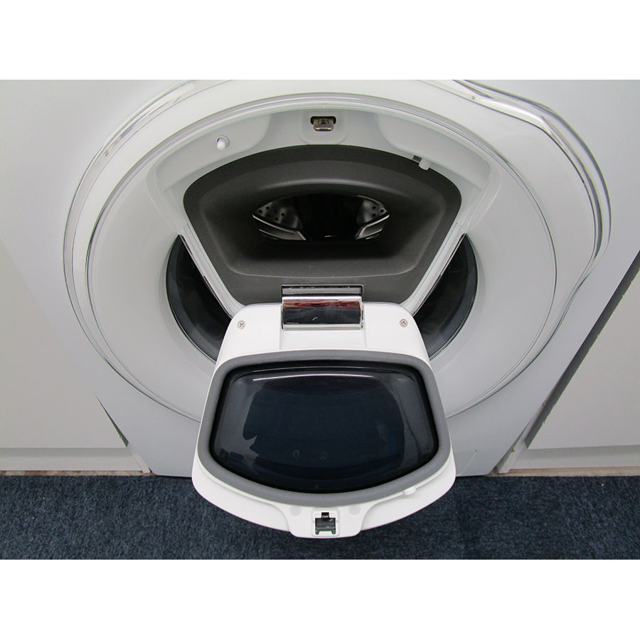 "Samsung WW8EK6415SW Add wash - Hublot ""AddWash"" ouvert"