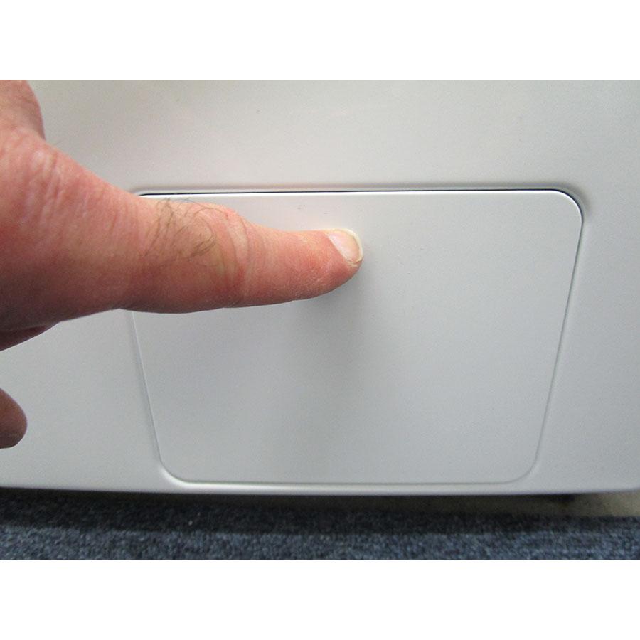 Samsung WW90M645OPW - Ouverture de la trappe du filtre de vidange