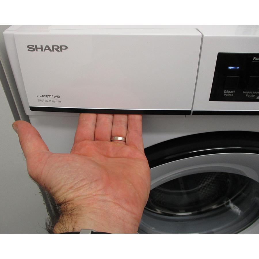 Sharp ESNFB7141WD - Ouverture du tiroir à détergents