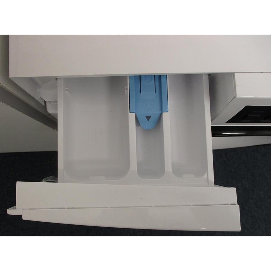 Sharp ESNFB7141WD - Compartiments à produits lessiviels