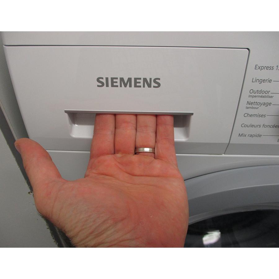 Siemens WM14N107FF - Ouverture du tiroir à détergents