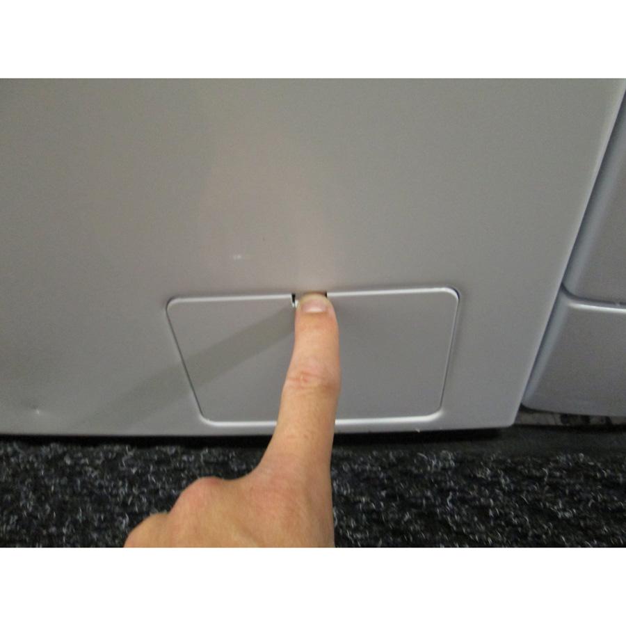 Siemens WM14Q472FF iQ500 (*12*) - Ouverture de la trappe du filtre de vidange