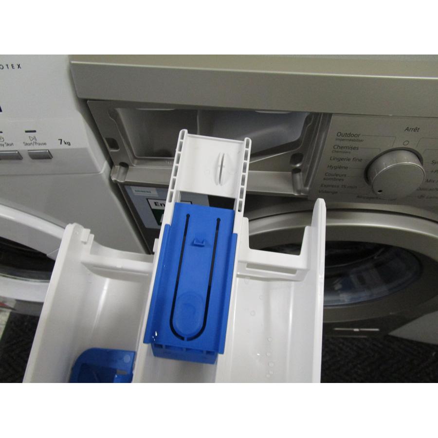 Test siemens wm14q49xff lave linge ufc que choisir - Bac a detergent lave linge ...