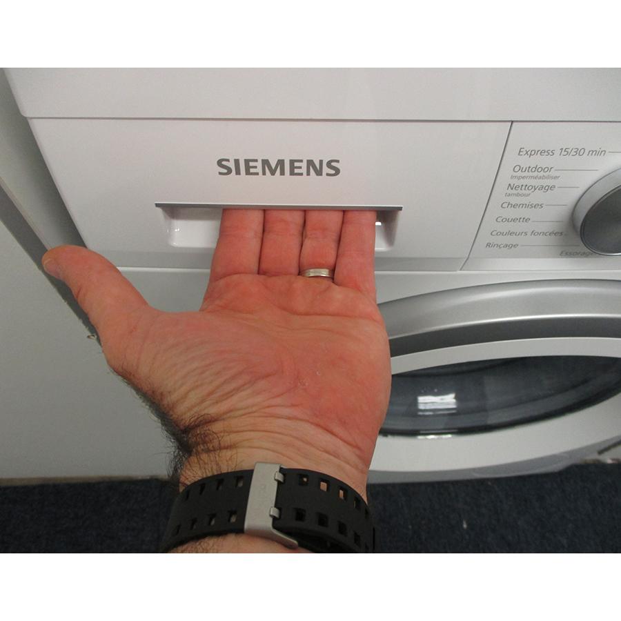 Siemens WU14UT09FF - Ouverture du tiroir à détergents