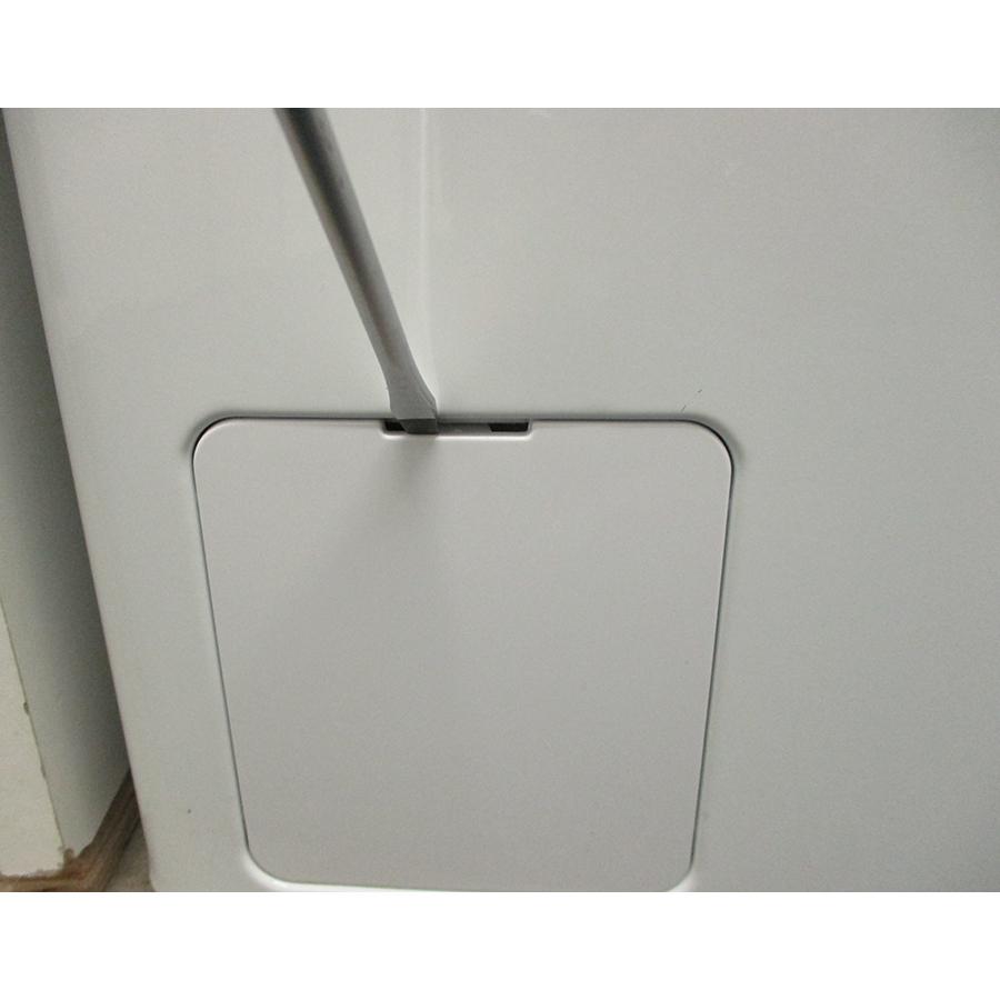 Thomson (Darty) TOP8130 - Outil nécessaire pour accéder au filtre de vidange