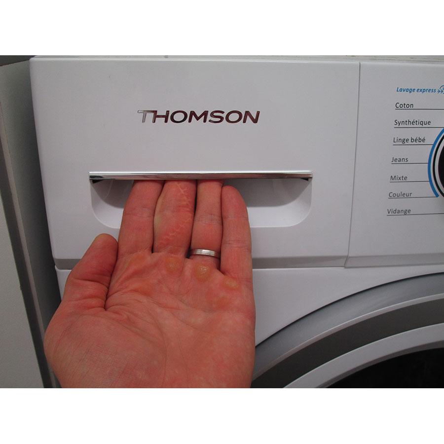 Thomson TW 712 - Ouverture du tiroir à détergents