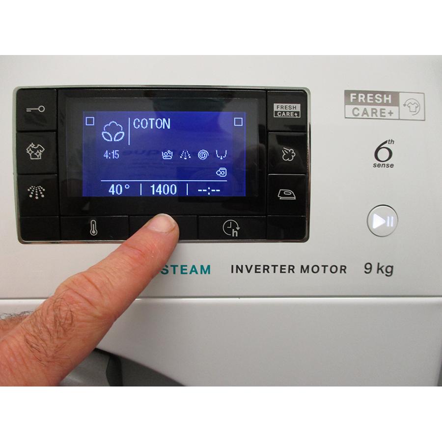Whirlpool FFDD9458BSVFR - Afficheur et touches d'options