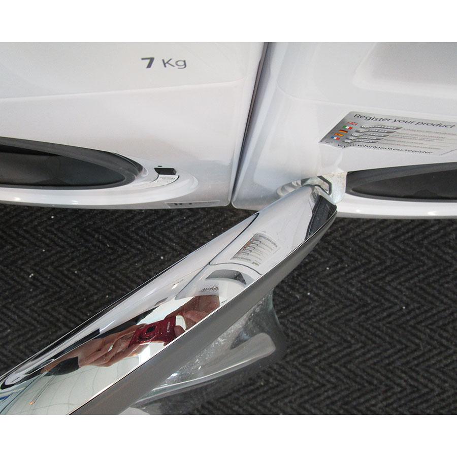 Whirlpool FSCR12420 - Angle d'ouverture de la porte