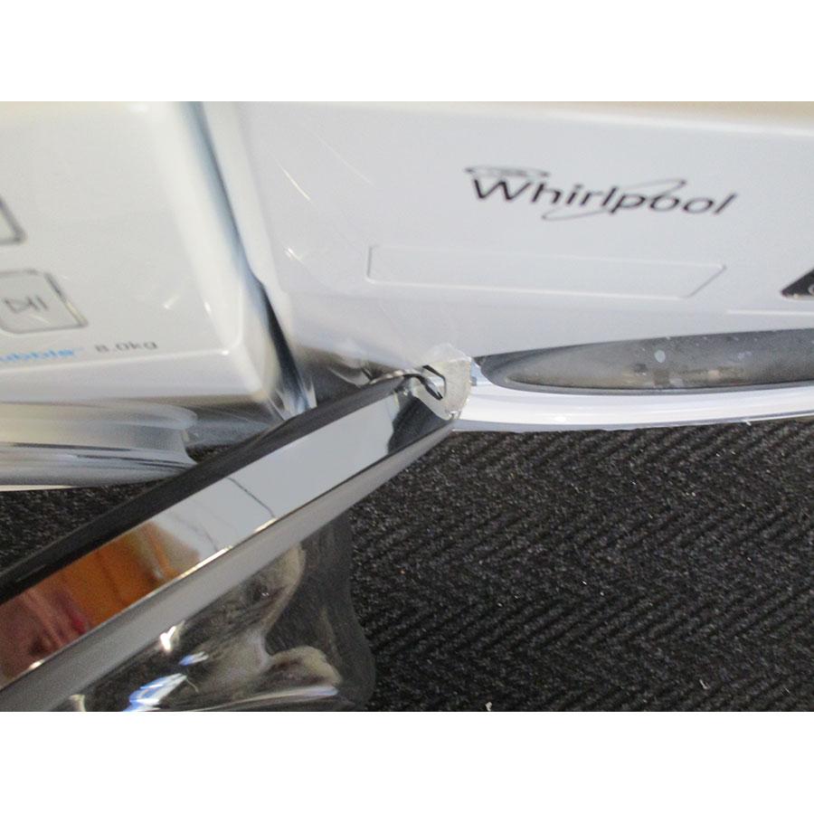 Whirlpool FSCR12443 6ème Sense Live(*37*) - Angle d'ouverture de la porte