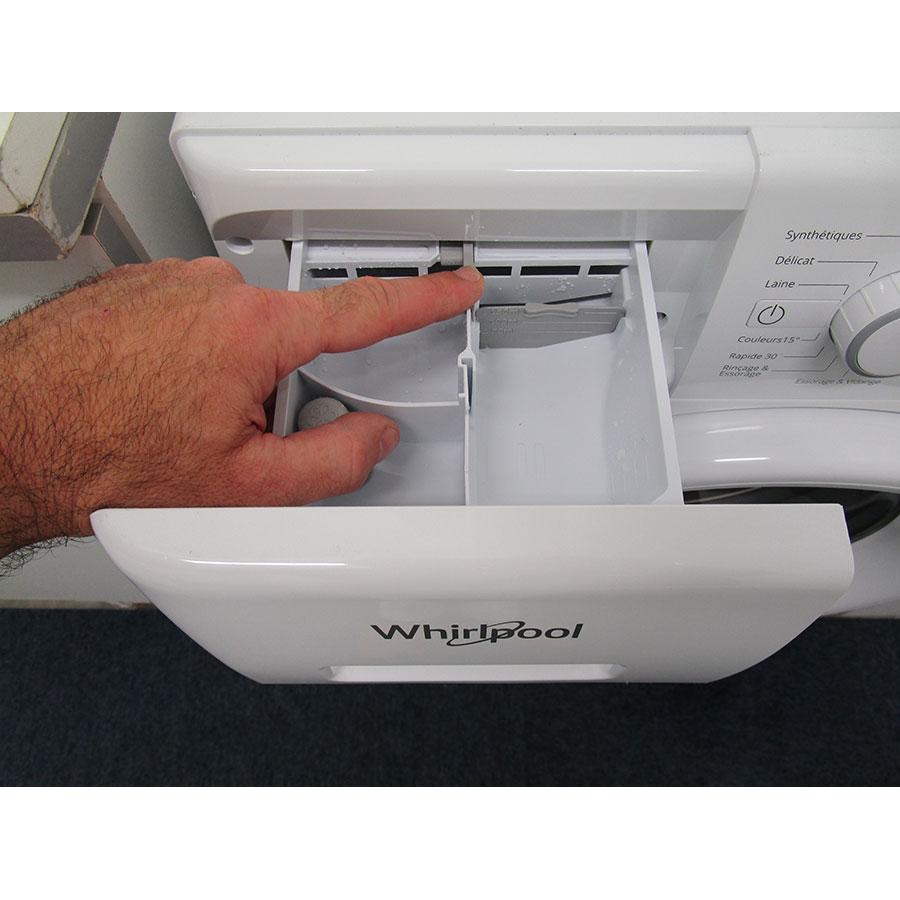 Whirlpool FWFP91483 W FR FreshCare - Bouton de retrait du bac à produits