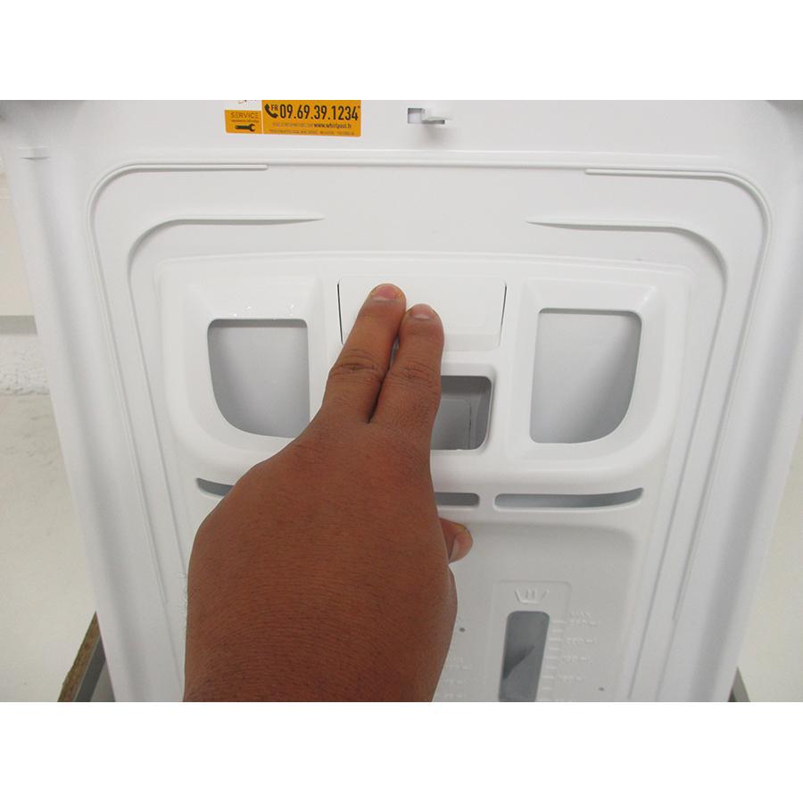 Whirlpool TDLR6228FR/N - Bouton de retrait du bac à produits