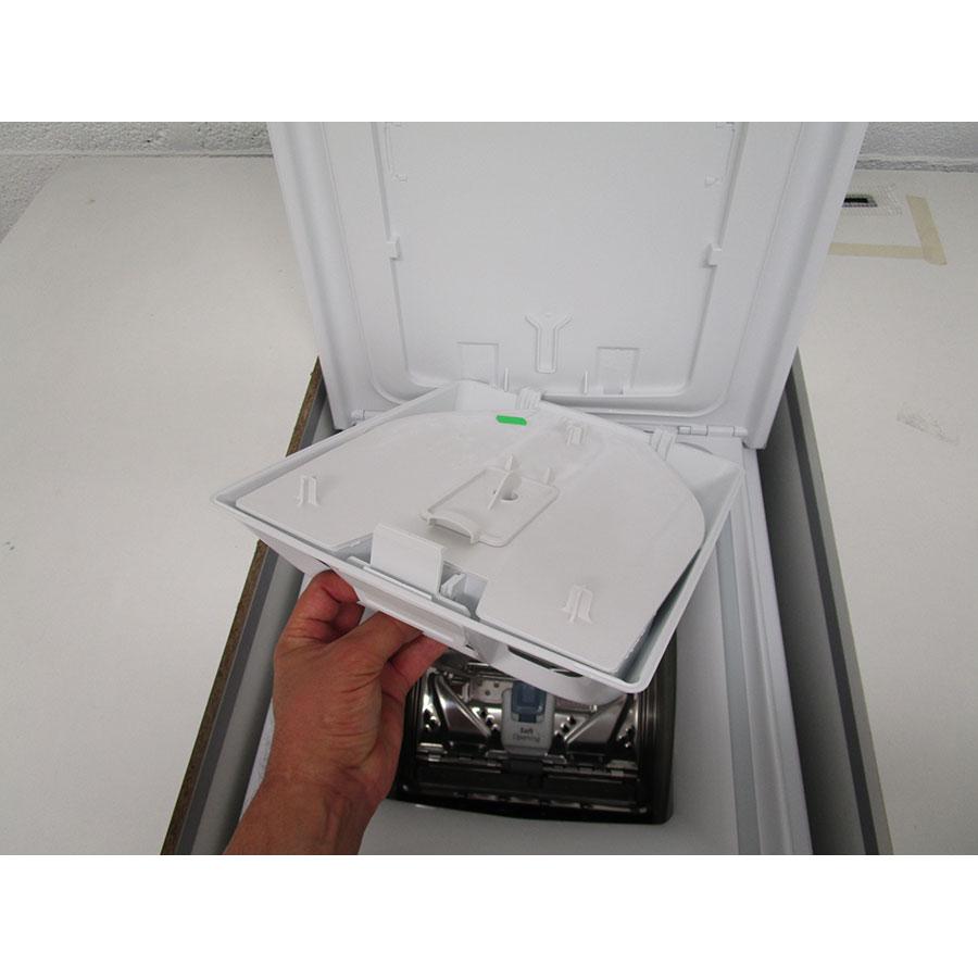 Whirlpool TDLR65230 - Retrait du bac à produit