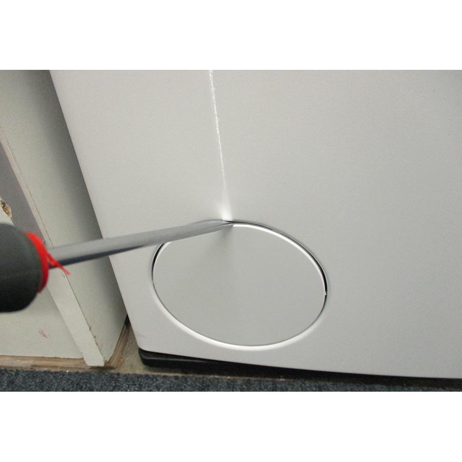 Whirlpool TDLRB6242BSFR/N - Outil nécessaire pour accéder au filtre de vidange