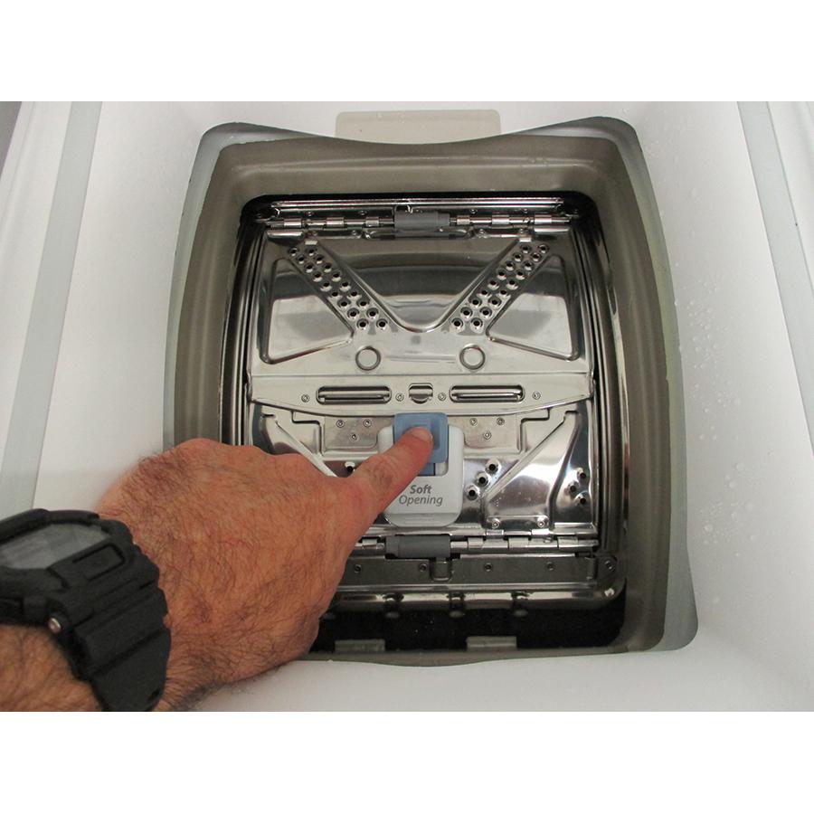 Whirlpool TDLRB6242BSFR/N - Bouton d'ouverture des portillons