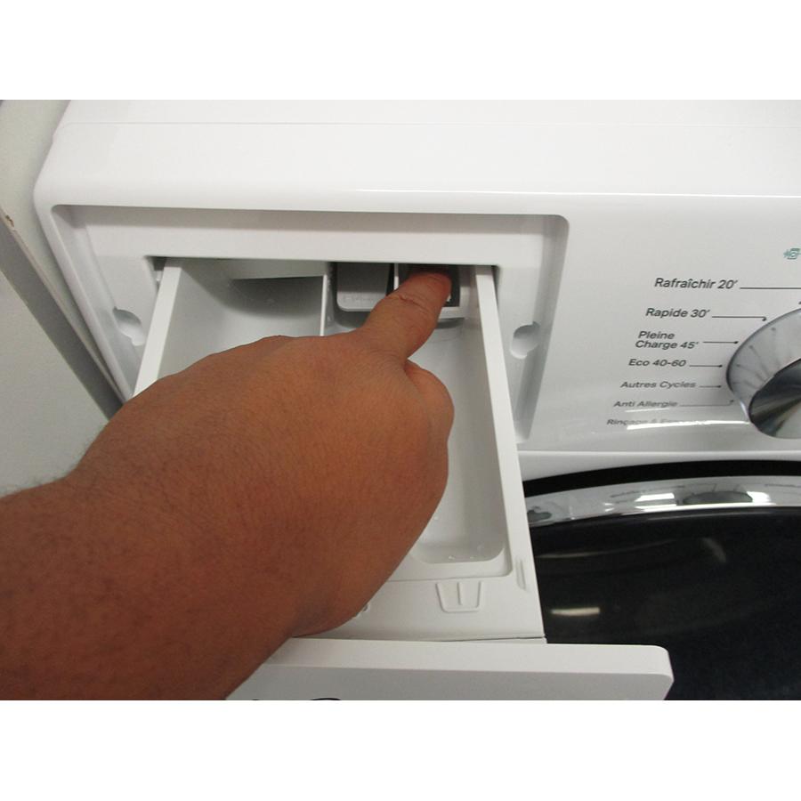 Whirlpool W6XW845WRFR Silence - Bouton de retrait du bac à produits