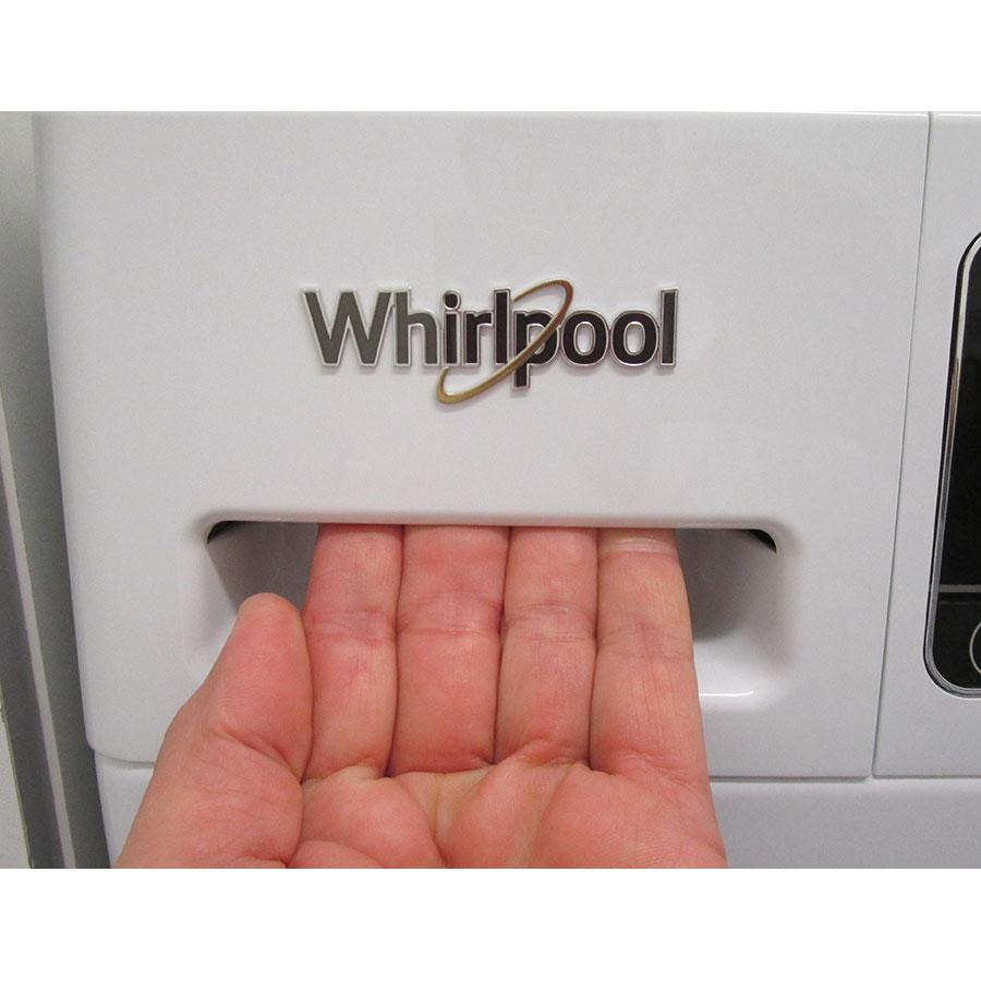 Whirlpool Zendose10 - Ouverture du tiroir à détergents