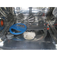 Electrolux EEG48200L - Réservoir à sel et retrait du filtre