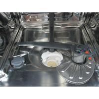 Electrolux ESF5555LOW - Réservoir à sel et retrait du filtre