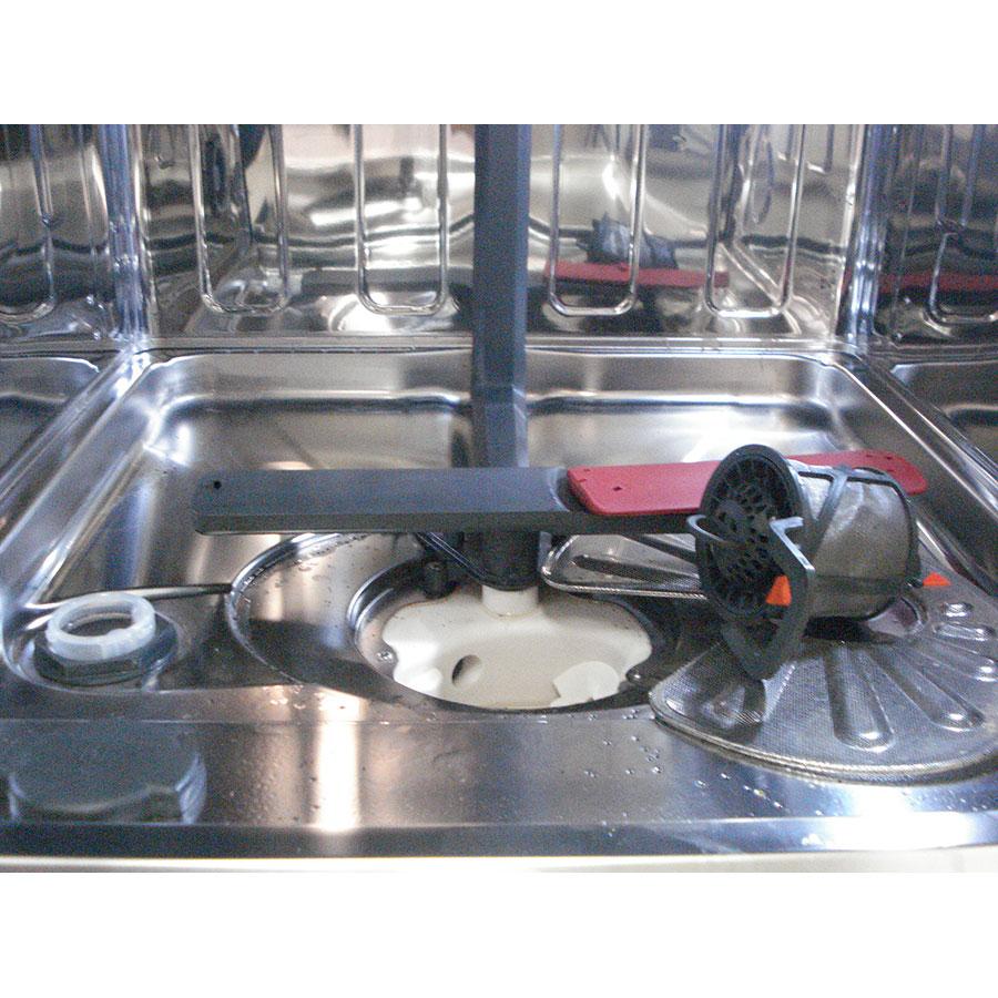 AEG FSK93800P - Réservoir à sel et retrait du filtre