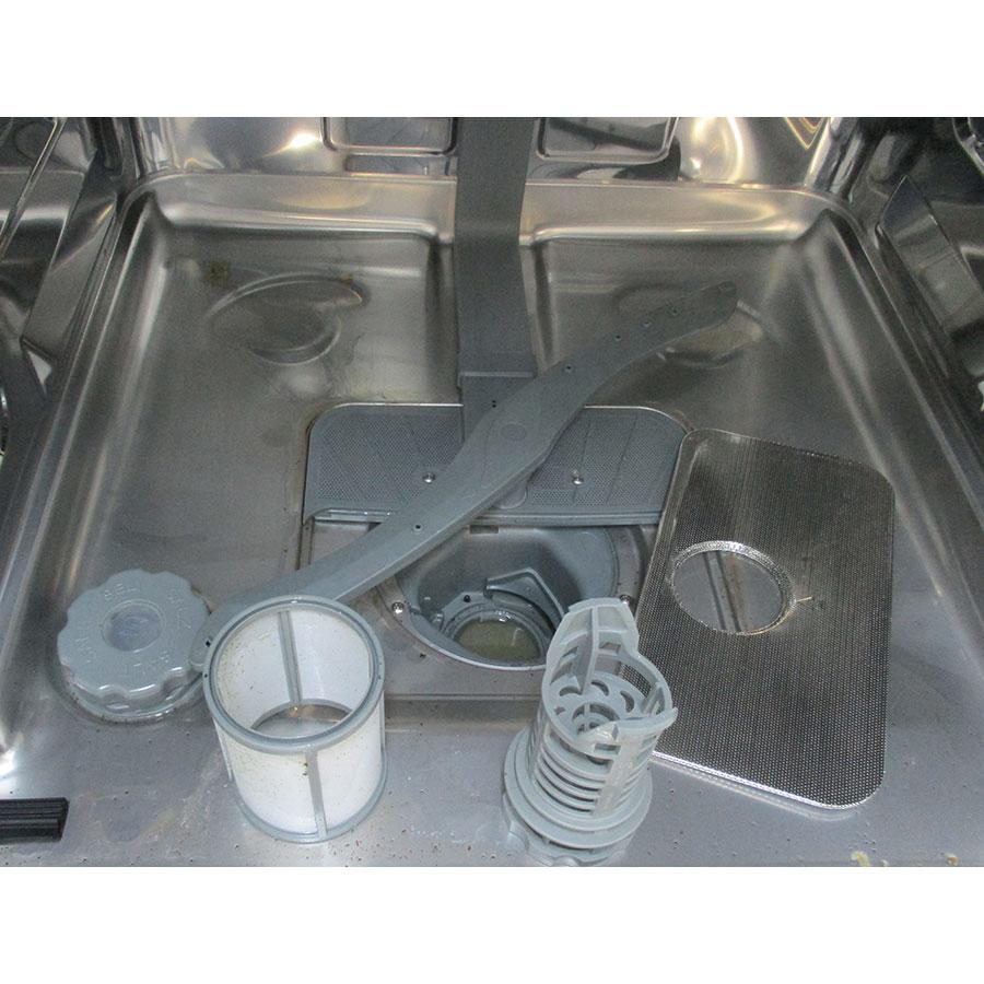 Brandt DFH14524X - Réservoir à sel et retrait du filtre
