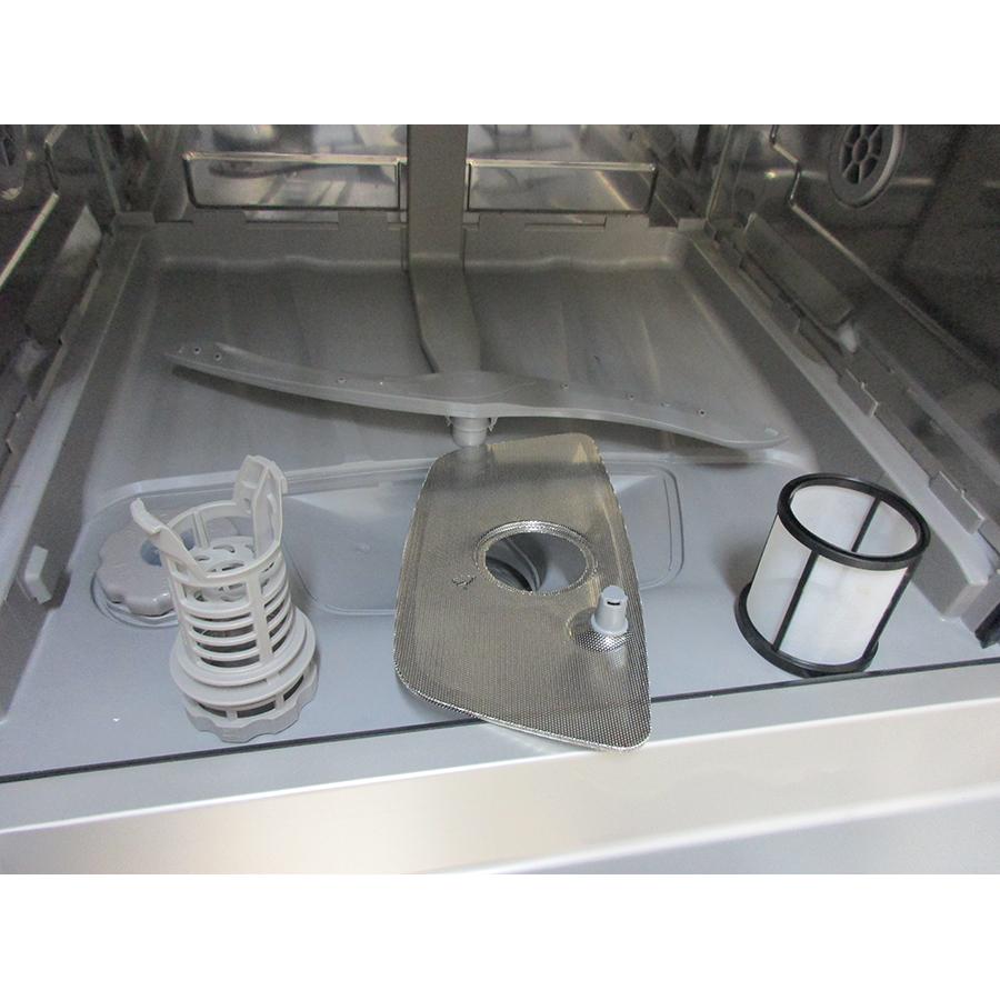 Brandt LVC137W - Réservoir à sel et retrait du filtre